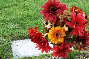 floral_placement_grave_flatmarker_fall_2