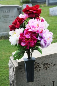 floral_placement_grave_overheadstone_spring_1