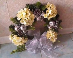 Wreath, Silver White, Decorated 24inch